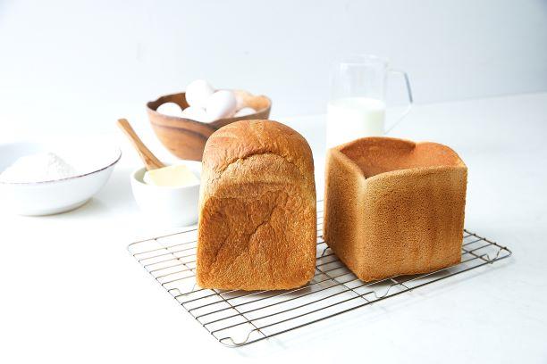 「ふわふわ」と「国産厳選素材」2種の極上食パンが数量限定で登場